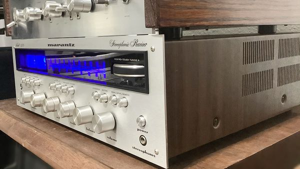Nice Marantz 2270 Stereo Receiver. Silverface. New blue led's. Excellent condition for age.
