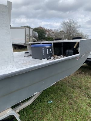 Out board crab boat for Sale in Dickinson, TX