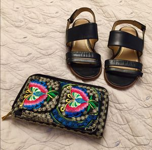 NWOT Embroidered Mexican Wristlet Purse for Sale in Bountiful, UT