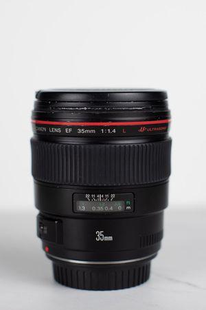 Canon 35mm f1.4 I L Series Lens for Sale in Scottsdale, AZ