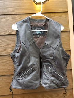 Motorbike wear vest size medium , adjustable .real genuine leather. Himalaya motorbike gear vest for Sale in Everett,  WA