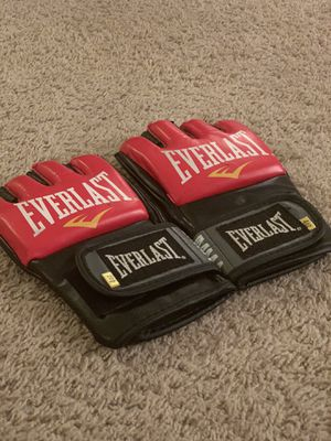 """""""Everlast"""" UFC gloves (fairly new) for Sale in Cleveland, OH"""