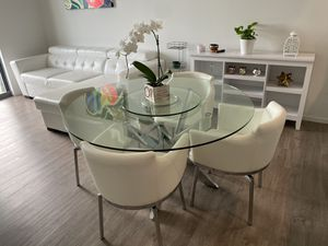 Dining table with chairs for Sale in North Miami, FL