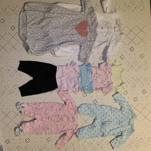 Baby girl Carter's clothing bundle 0-3 months for Sale in Detroit, MI