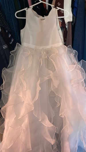 David's Bridal Flower Girl White Dress 4T for Sale in Dallas, TX
