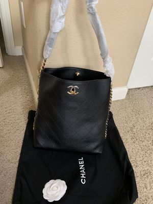 Chanel bag/ Actual pictures for Sale in San Francisco, CA