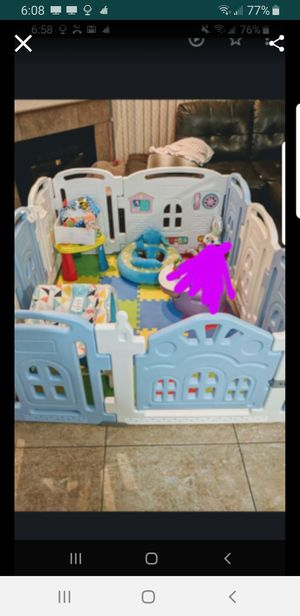 Play Penn for kids, comes with toys only, like new for Sale in Henderson, NV