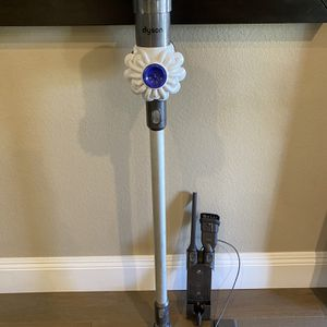 Dyson V6 Hepa Coordless Vacuum for Sale in Corona, CA