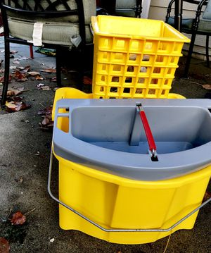 Yellow Commercial Janitor bucket for Sale in Wenatchee, WA