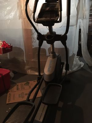 Used a couple times good quality NordicTrack elliptical with ifit and more programs for Sale in Everett, WA