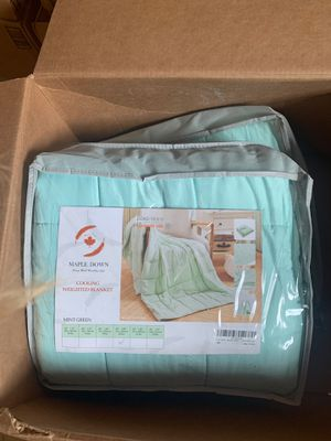 Liquidation sale: queen size cooling weighted blanket-mint green-20lb for Sale in La Grange Park, IL
