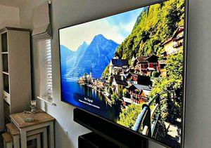 LG 60UF770V Smart TV for Sale in Northport, NY