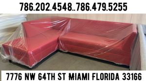 Red sectional couch sofa for Sale in Doral, FL