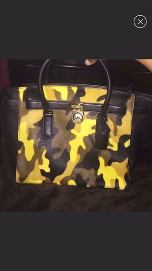 100% authentic Michael kors traveler Hamilton large size for Sale in Pittsburgh, PA