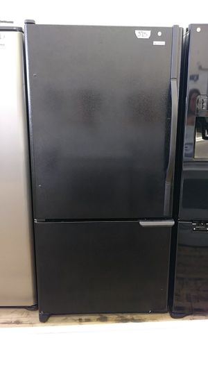 Kenmore Bottom mount refrigerator for Sale in Cleveland, OH