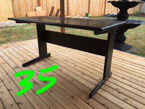 Solid and Sturdy Wood Desk for Sale in Renton, WA