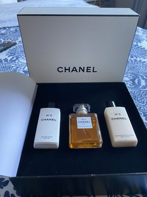 Chanel No 5 set bath gel lotion and perfume for Sale in Los Angeles, CA