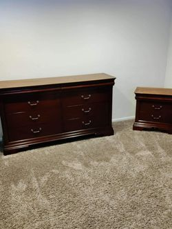 Dresser & Nightstand for Sale in Tacoma,  WA