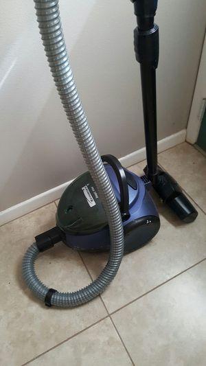 Kenmore magic blue vacuum cleaner for Sale in Avon Park, FL