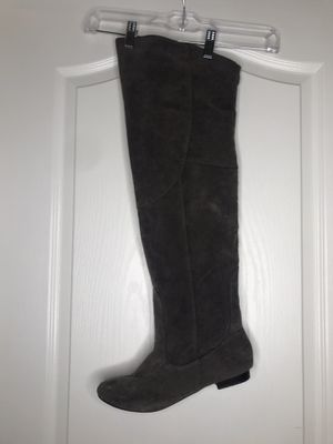 Gray Knee-High boots. Size: 9 for Sale in Forest Heights, MD