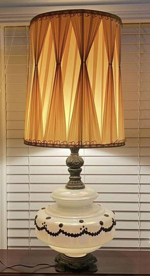 Vintage Antique Working Authentic Accurate Casting Company Mid Century Modern MCM Gone With The Wind Opalescent Carnival Glass 3 Way Light Table Lamp for Sale in Chapel Hill, NC