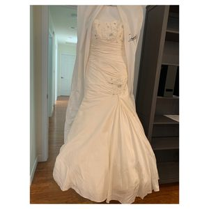 Anjolique Couture Wedding Gown for Sale in Oceanside, CA