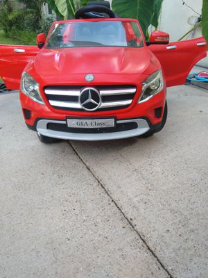 Mercedes-Benz Kids Rechargeable Car for Sale in Dallas, TX