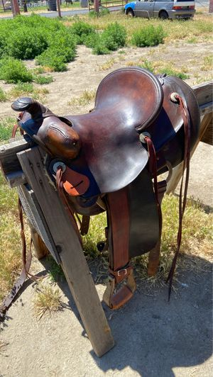 Fred Mueller leather saddle for Sale in Kennewick, WA