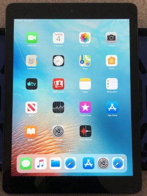 Apple iPad Air 32GB (wi-fi only) for Sale in Ballwin, MO