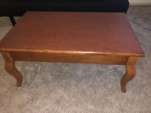 Brown coffee table! Great condition! for Sale in Tempe, AZ