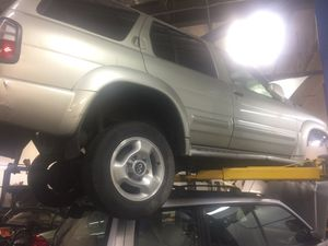 Infinity qx4 4wd parts for Sale in Kirkland, WA