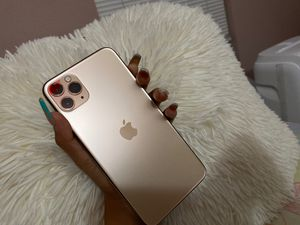 iPhone 11 Pro Max .. for Sale in Wilmington, CA