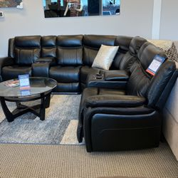 Brand New Power Reclining Sectional!! Financing & Delivery Available !! for Sale in Des Plaines,  IL