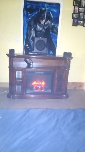 FIREPLACE TV STAND for Sale in Belton, SC