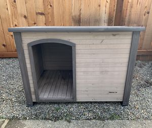 Dog house for Sale in Redmond, WA
