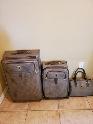 London Fog Luggage set for Sale in Winter Springs, FL