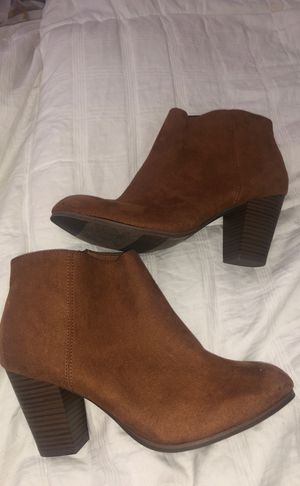 Old navy boots heels for Sale in Damascus, OR