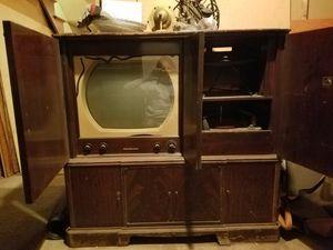 vintage cabinet for Sale in Elizabeth, NJ
