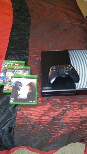 Xbox One 500 GB bundle for Sale in Bristol, CT