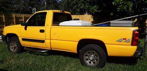 2005 chevy Silverado 4x4 longbed for Sale in Homestead, FL