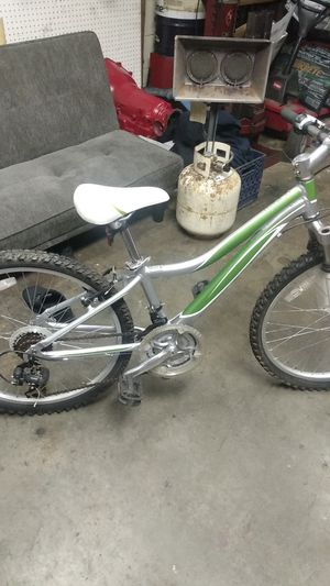 Raven little girls bike for Sale in Tigard, OR