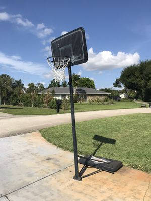 Basketball ball hoop for Sale in Fort Myers, FL
