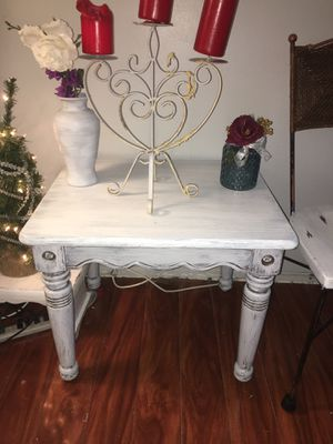 A shabby chic accent table for Sale in Clearwater, FL
