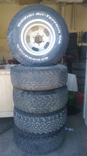 6 lug chevy with 31x15 50 15 bfg for Sale in Payson, AZ
