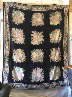 Gorgeous Floral Rug - Delivery Available for Sale in Tacoma, WA