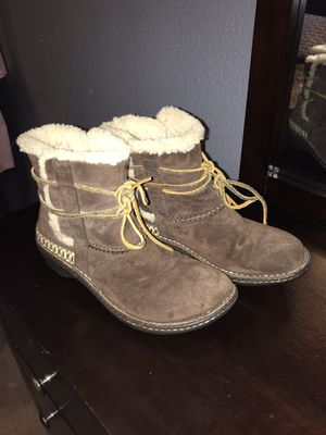UGG (usa size: 9) for Sale in Henderson, NV