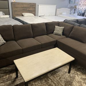Elegant Dark Brown Sectional With Ottoman for Sale in Anaheim, CA