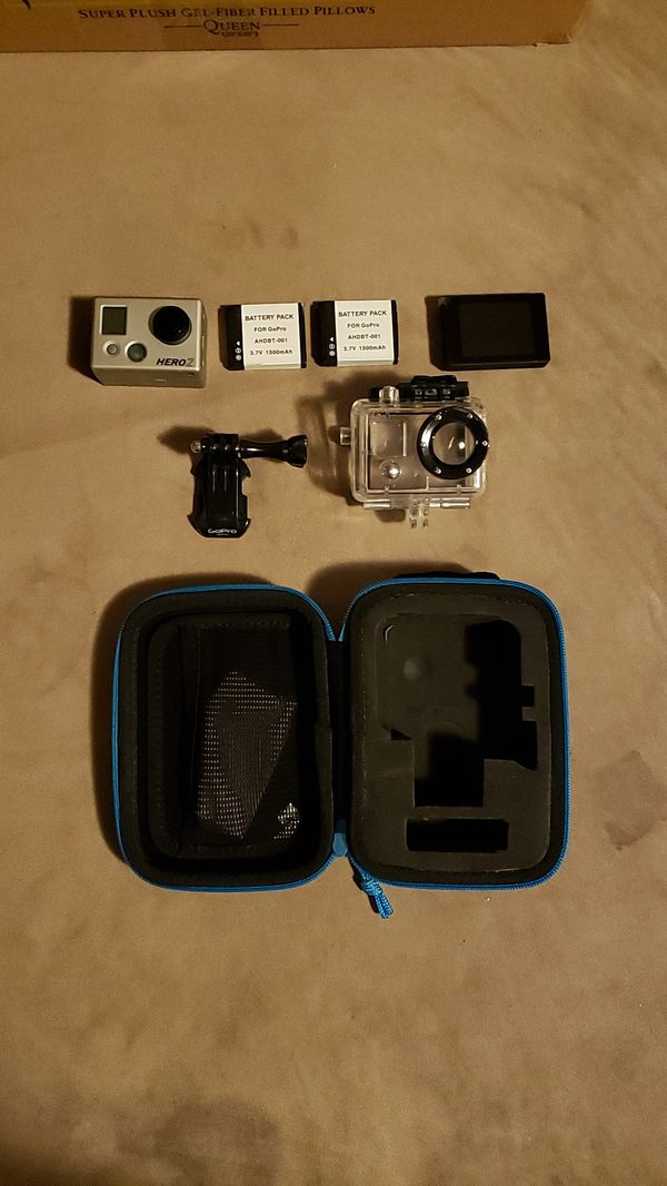 GoPro 2 w/screen, case and 2batteries