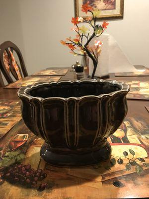 "Vase decoration centerpiece 6""h x8""w for Sale in Henderson, NV"