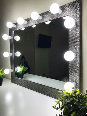 New Luxury makeup vanity mirror for Sale in Addison, IL